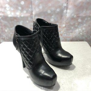 Guess Black Quilted Stiletto Booties Sz 5.5
